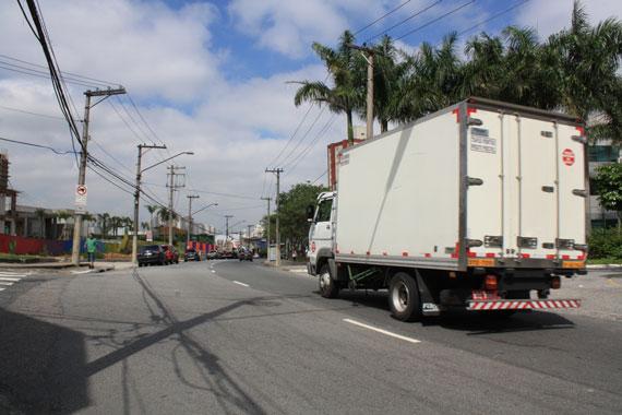 MARGINAL E MINIANEL – CET aplicará multas a caminhões