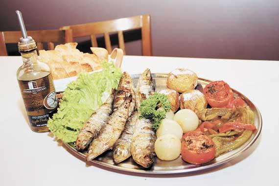 La Tivoli Restaurante – Sardinha portuguesa e feijoada self-service