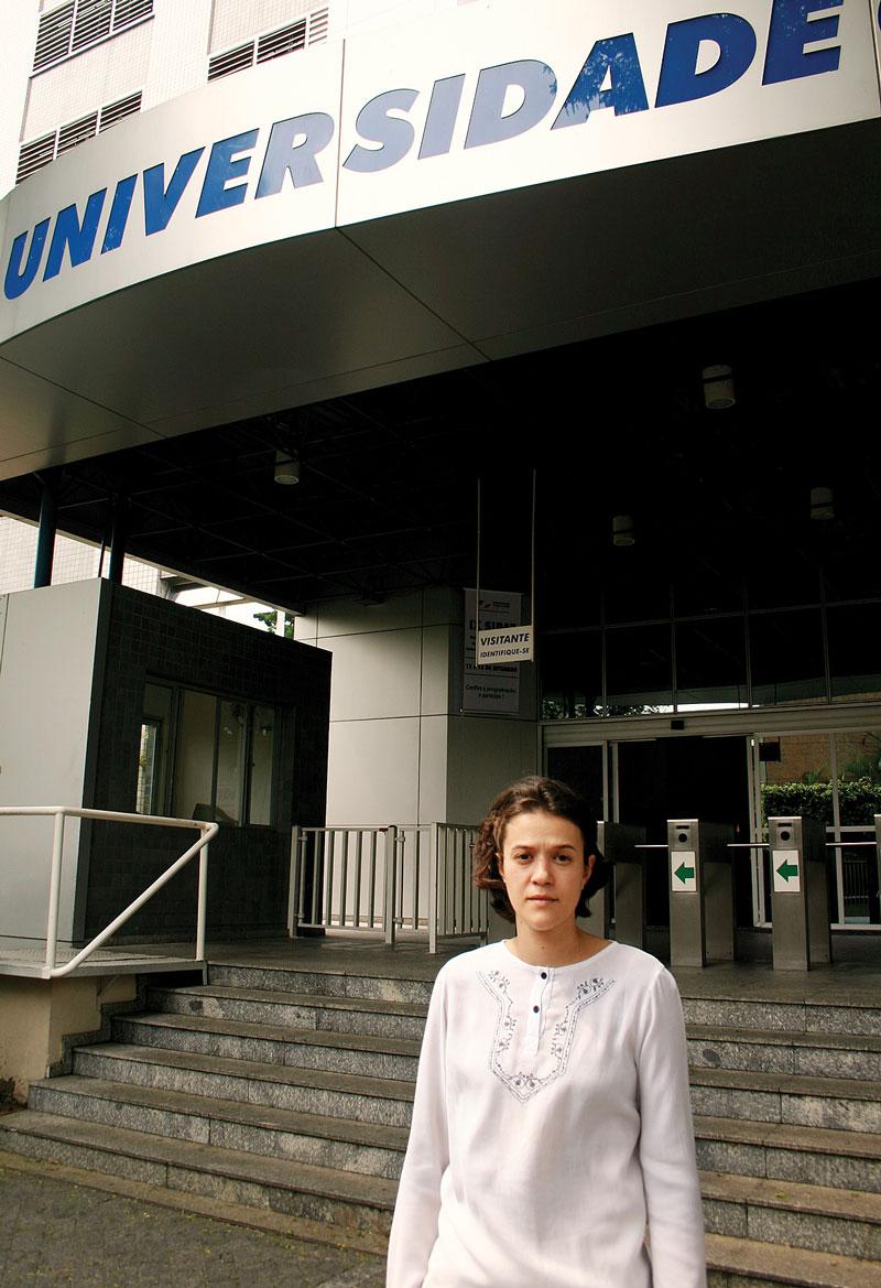 Após cinco anos de formada, a fisioterapeuta Francine conquistou seu maior sonho: passar de aluna para professora da Unicid