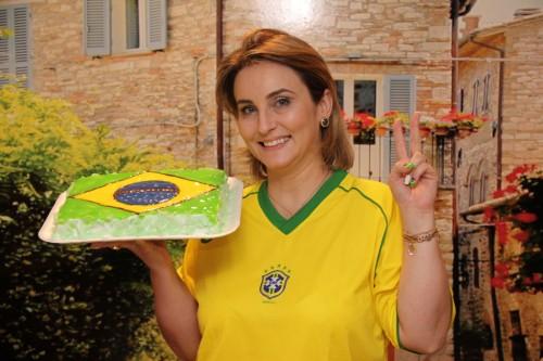 Para celebrar este momento, Adriane preparou um bolo especial