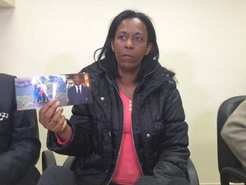 Cunhada mostra foto de vigia que morreu na porta de hospital