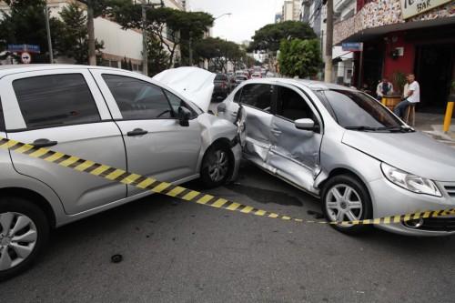 Rua Serra de Japi: perigo continua