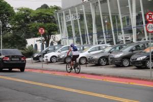 Malha Cicloviária: Motoristas e ciclofaixas: adaptação