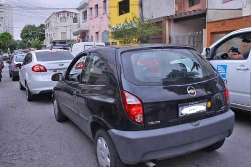Pessoas reclamaram da dificuldade quando precisam atravessar a Rua do Tatuapé