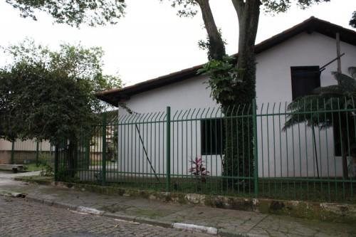 Casa do Tatuapé: Rua Guabijú, 49, telefone 2296-4330