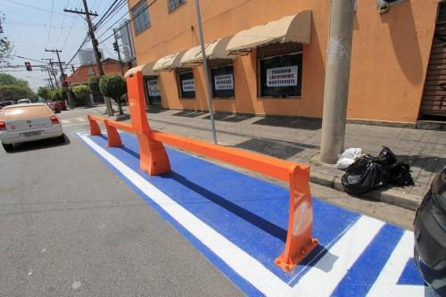 Morador reclama que ponto de bike é instalado sem aviso