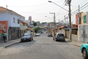 VILA MATILDE – 'Rua com alto índice de roubo de carros'