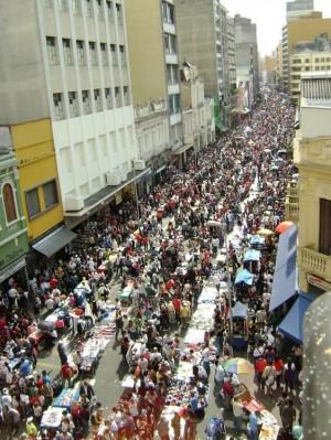 CINEMA – O que os árabes e a Rua 25 de Março têm em comum?