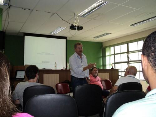 O subprefeito da Mooca, Evando Reis, também participou da reunião