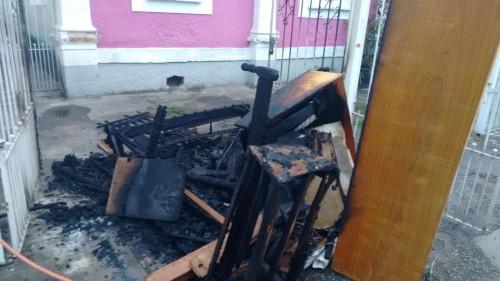 Foto tirada pela leitora após o incêndio criminoso