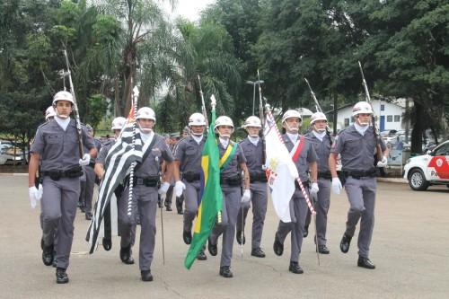 Cerimônia de troca de comando terminou com desfile dos militares no Ceret