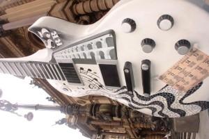 Guitar Parade invade as ruas da cidade