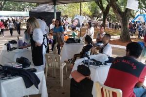 Ação da PM reúne muita  gente na Vila Formosa