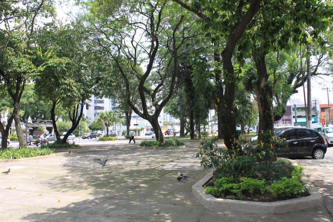 TATUAPÉ – Praças perdem parte da beleza