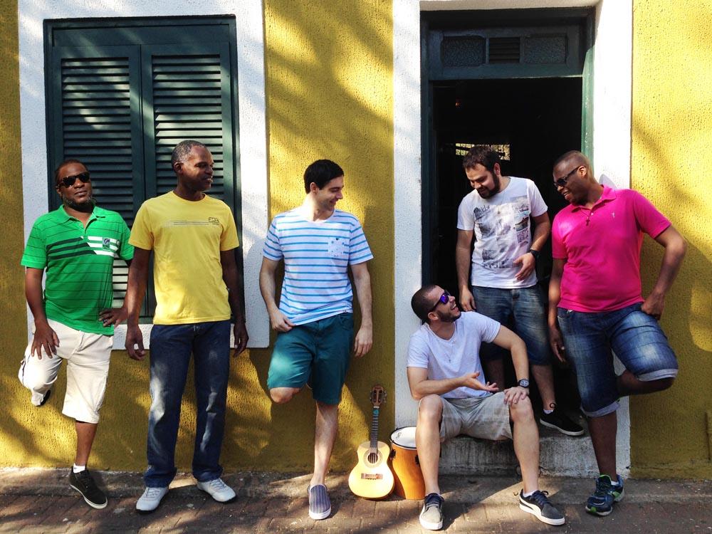 'Tá em Casa' lança CD