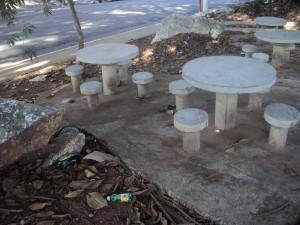 VILA DALILA – Praça precisa de zeladoria