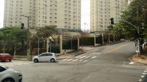 Equipamento instalado nas ruas Aguapeí e Monte Serrat, no Tatuapé