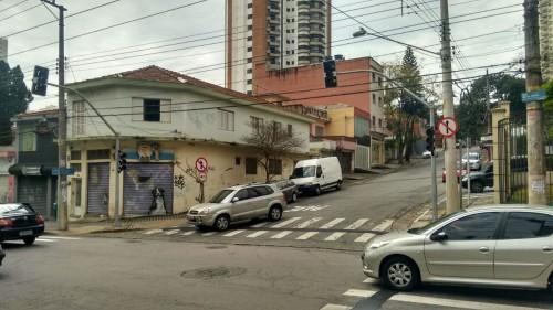 Um quarteirão abaixo, semáforo também será ligado na Rua Pedreira de Freitas