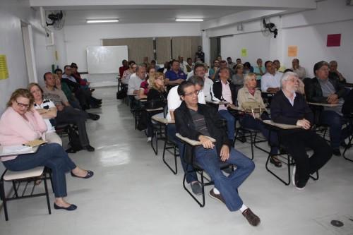 RUA EMÍLIA MARENGO – Moradores estão indignados
