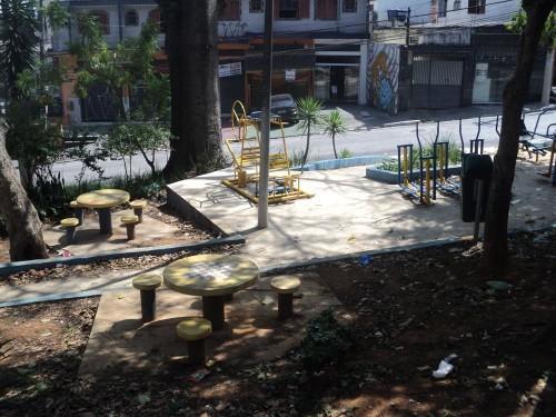 Apesar de agradecerem os benefícios, moradores solicitaram a volta da varrição e limpeza