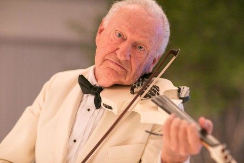 Violinista lança CD