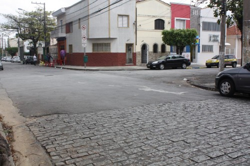 Rua Professora Sebastiana Silva Minhoto com Rua Platina, no Tatuapé