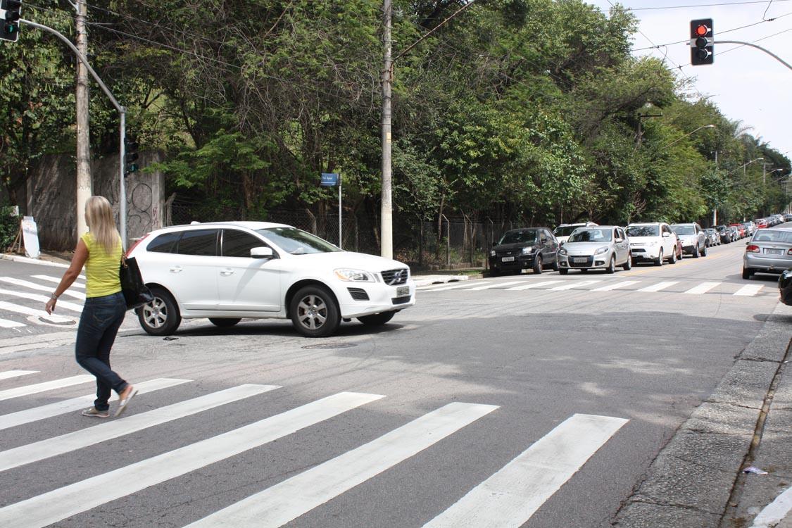Semáforos são ligados