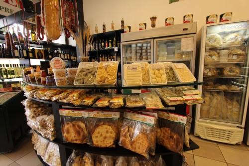São vários itens comercializados na casa tradicional de produtos italianos