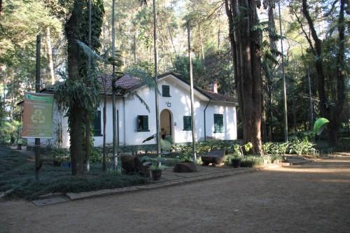 A casa cedida à administração pertencia à antiga chácara dos Maratazzo, antes da área virar parque