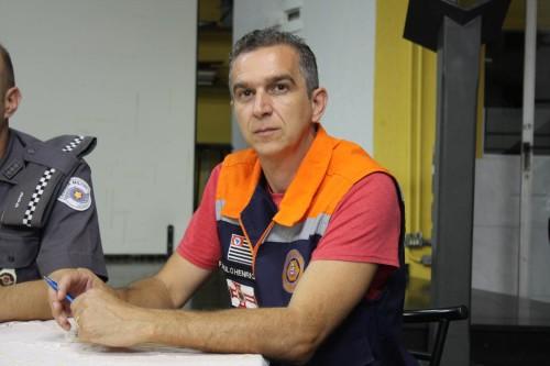 Paulo Henrique, da Prefeitura Regional Mooca, anotou as reclamações do Parque São Jorge