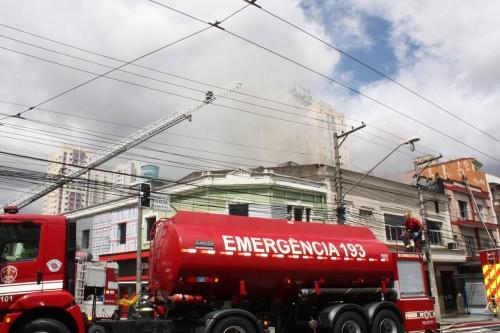 Incêndio interdita padaria Vera Cruz