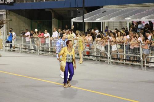 Leci Brandão, madrinha da AcadêmicosdoTatuapé, anuncia o desfile da escola