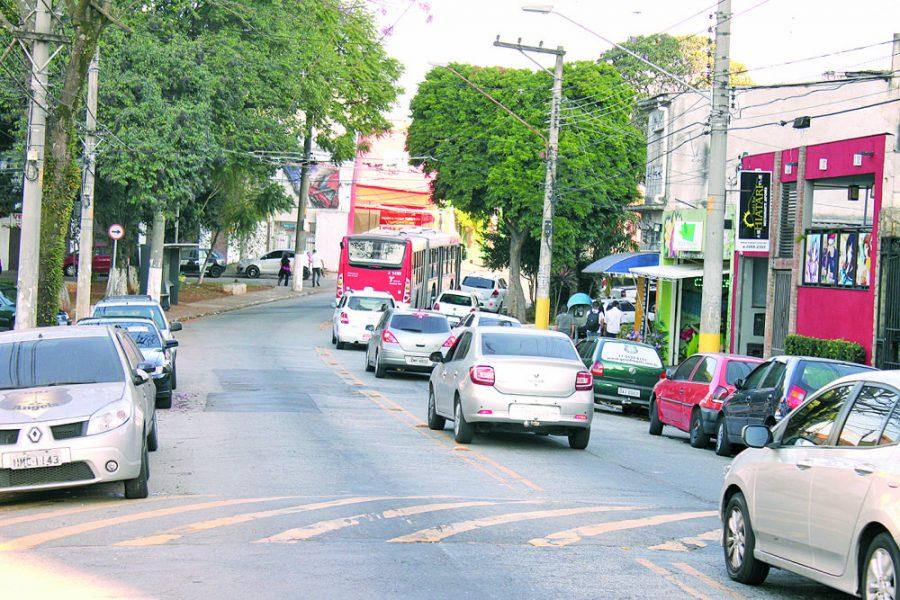 Rua Acuruí – Moradores reclamam de bagunça