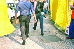 Buracos: nem a calçada escapa