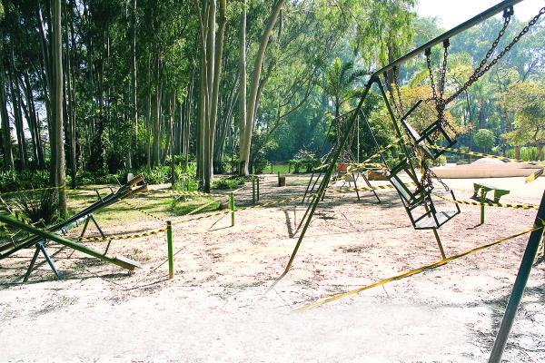 PARQUE DO PIQUERI – Playgrounds são interditados