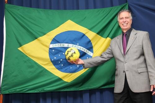 Basílio diz que é um orgulho muito grande sediar a abertura de uma Copa do Mundo