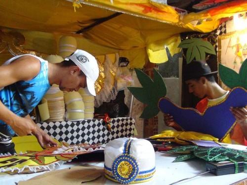 A Fábrica do Samba serve também para regularizar e modernizar toda a produção do Carnaval, sendo também um polo gerador de empregos